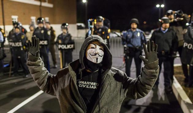 ABD'de siyahilere şiddet uygulayan polise ceza