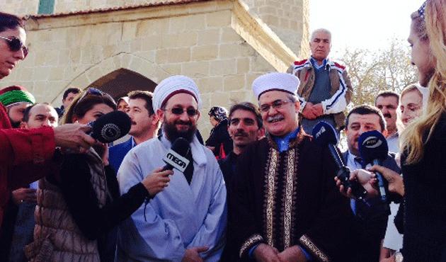 Kıbrıslı Müslümanlar Hala Sultan Tekkesi'ndeydi