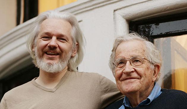 Chomsky'den Wikileaks kurucusuna ziyaret