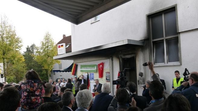 Almanya'da cami yakanlar yakalandı