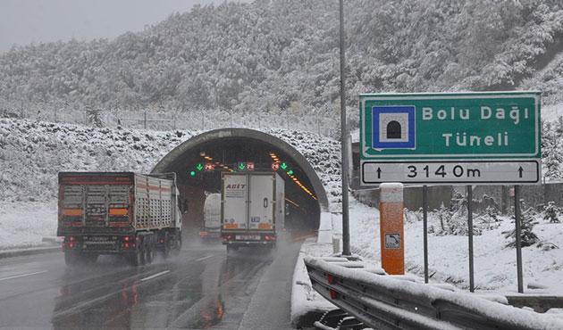 Bolu Dağı'na kar yağdı