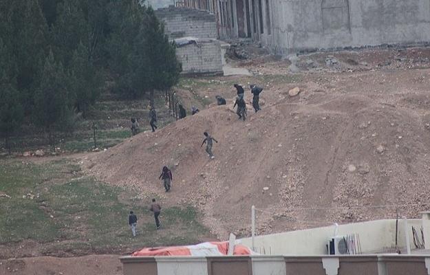 Teslim olan PKK'lılar sokaklarda çatışıyor