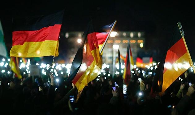 Alman pegidacılar helal kesimciyi tehdit etti