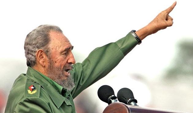 Küba'nın eski lideri Fidel Castro, Çipras'ı tebrik etti