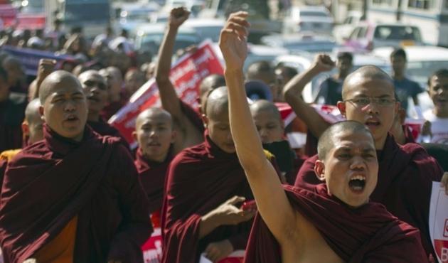 Myanmar'daki Budist katliamı 6 ay sonra ortaya çıktı