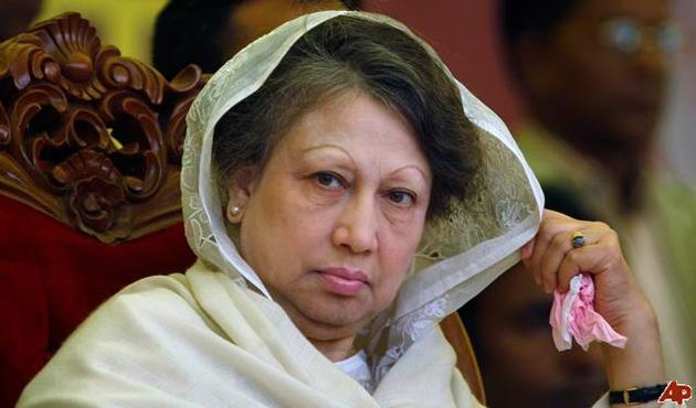 Eski Bangladeş Başbakanı 5 davada kefaleti garantiledi