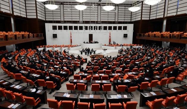 Siyasi Partiler ve Seçim kanunları değişiyor