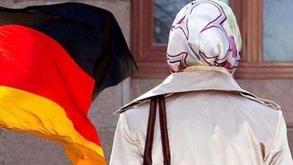 Başörtülü Müslümana saldıran Alman'a para cezası