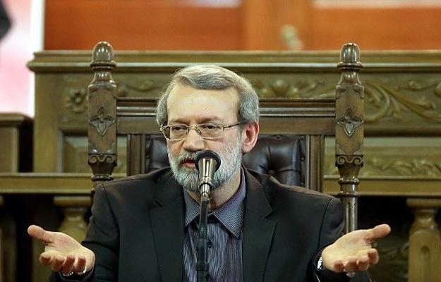 İran'da geçici meclis başkanı Laricani oldu