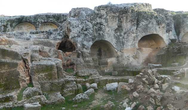 Silivri'de 5 bin yıllık savaşçı mezarı bulundu