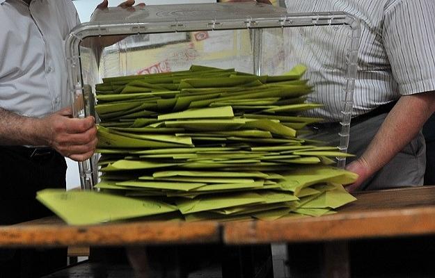 Sandık görevlisi: HDP'liler seçmeni içeri bile sokmadı