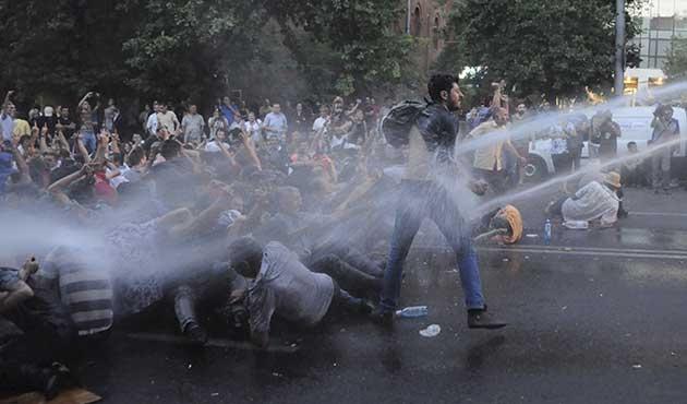 Ermenistan'da ne protesto ediliyor?