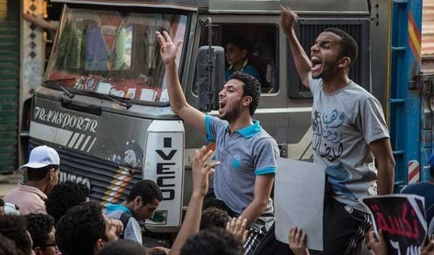 Mısır'da darbe karşıtları yine meydanlarda