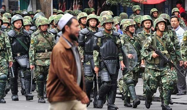 Çin Doğu Türkistan'da 28 kişiyi öldürdü