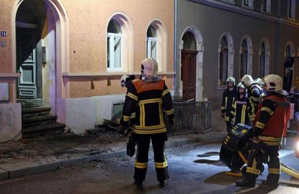 Almanya'da mülteci yurduna saldırı