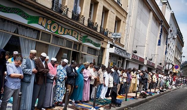 Fransa 40 imamı sınır dışı etmiş