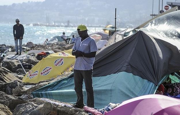 Göçmenler Avrupa'nın göbeğinde iki sınır arasında