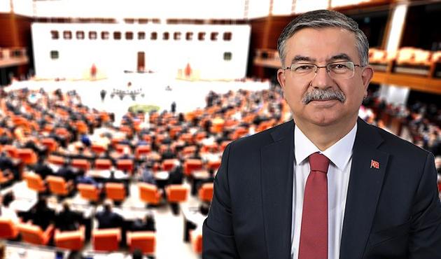 Yeni Meclis Başkanı İsmet Yılmaz oldu