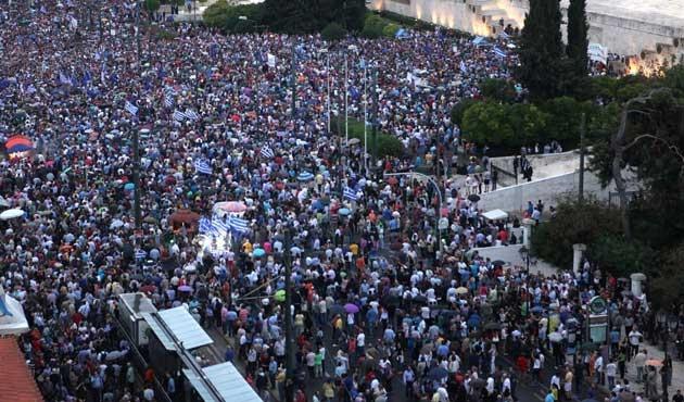 Atina'da 'evet' taraftarları gösteri yaptı