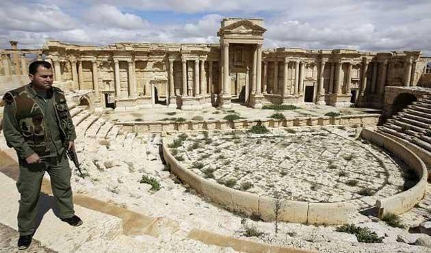 Esad ordusu Palmira'ya ulaştı iddiası