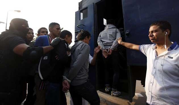 Mısır'da 23 darbe karşıtına hapis cezası