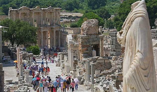 Diyarbakır Surları ve Efes artık 'Dünya Mirası'
