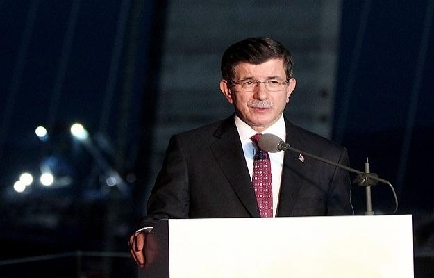 Davutoğlu, AK Parti personeliyle bayramlaştı
