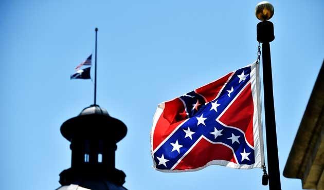 Güney Carolina'daki tartışmalı bayrak yasaklandı