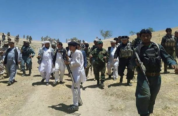 Afganistan'da 150 Taliban teslim oldu