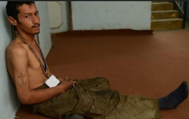 Savaştan kaçan Afgan gençler uyuşturucuya bulaşıyor