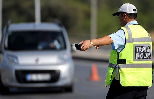 Tatil önlemleri: Her 10 kilometreye bir polis ekibi