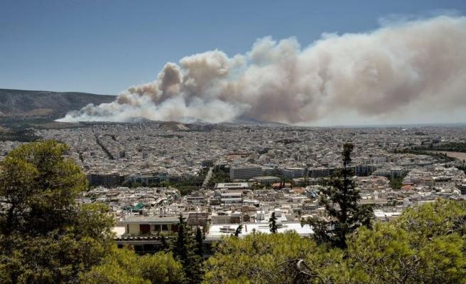 Yunanistan'da yangına yardım çağrısı yapıldı
