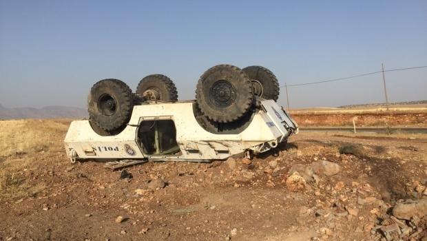 Şırnak'ta polis panzeri devrildi