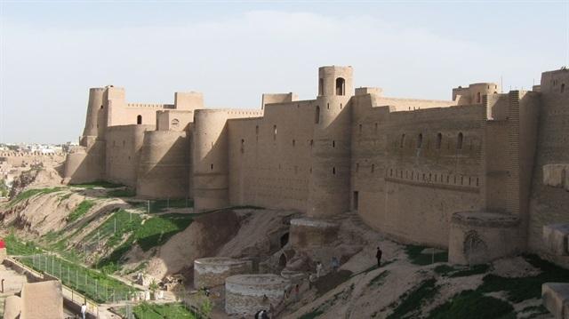 Afganistan'da tarihi sur çöktü: 6 ölü