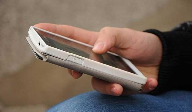 Akıllı telefonlar bir SMS ile hack'lenebiliyor