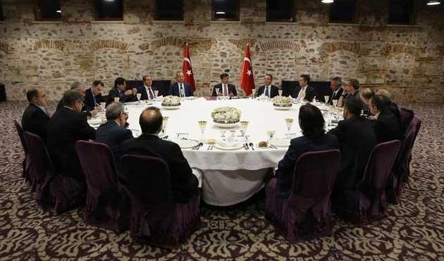 Davutoğlu: Devletimiz kudretini gösteriyor