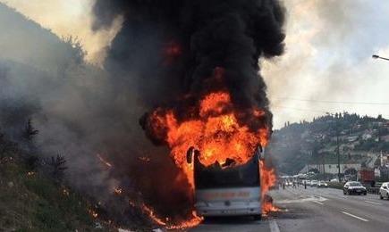 TEM'de yolcu otobüsü alevlere teslim oldu