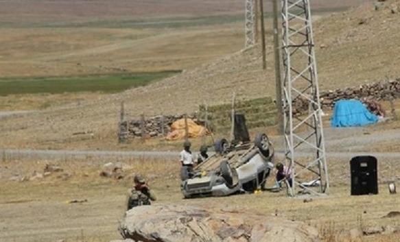 Karakola saldıran PKK'lılar kaçarken kaza yaptı