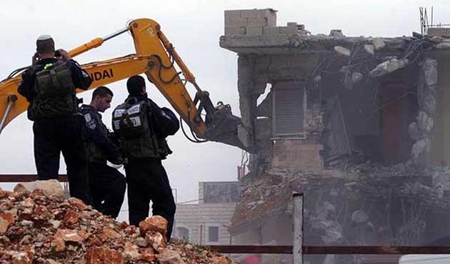İsrail yine Filistinlilerin evlerini yıktı