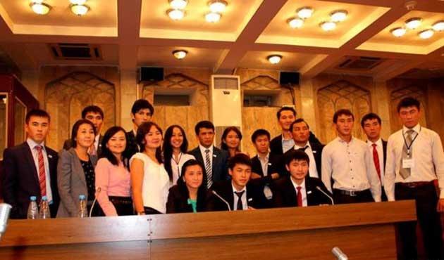 Diğer ülkelerde yaşayan Kırgızlara ücretsiz yükseköğrenim