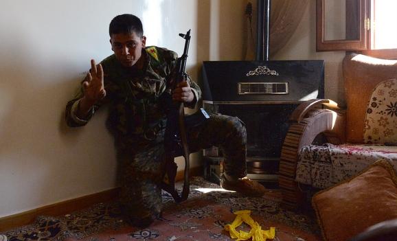 Irak'ta IŞİD'e karşı gençlere askeri eğitim