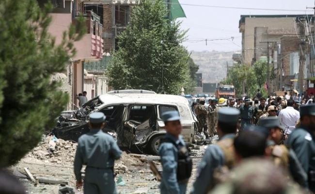 Afganistan'da NATO aracına saldırı: 3 sivil öldü