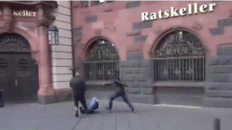 Almanya'da PKK ile karşıtları çatıştı