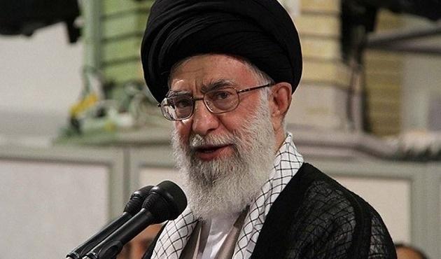 İran: Suriyeli muhaliflere silah verilmesin