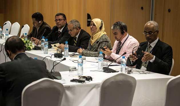 Libya'ya komşu ülkeler Cezayir'de toplanıyor