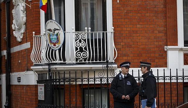 İsveç, Ekvador'un Assange talebini reddetti