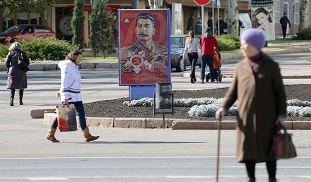 Rusların yarısı Stalinist...