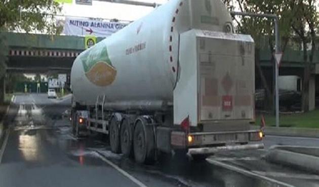 İstanbul'da tanker faciasının eşiğinden dönüldü