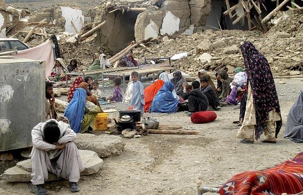 Depremde bilanço ağırlaşıyor: 323 ölü