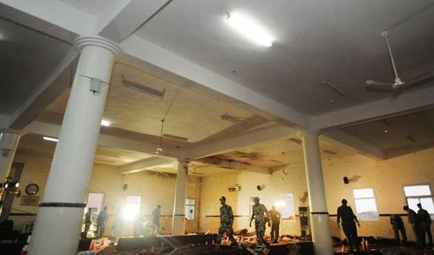 Suudi Arabistan'da camiye intihar saldırısı